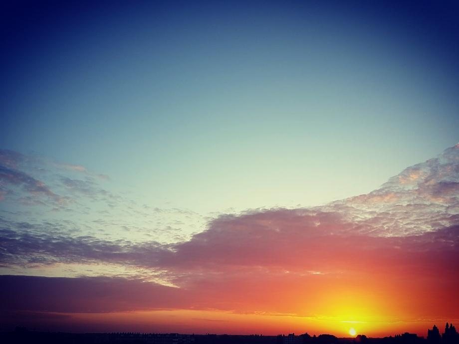 Zonsondergang op 10 juni 2017 vanaf mijn balkon